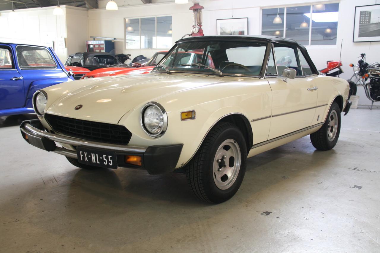 Fiat Spider (2)