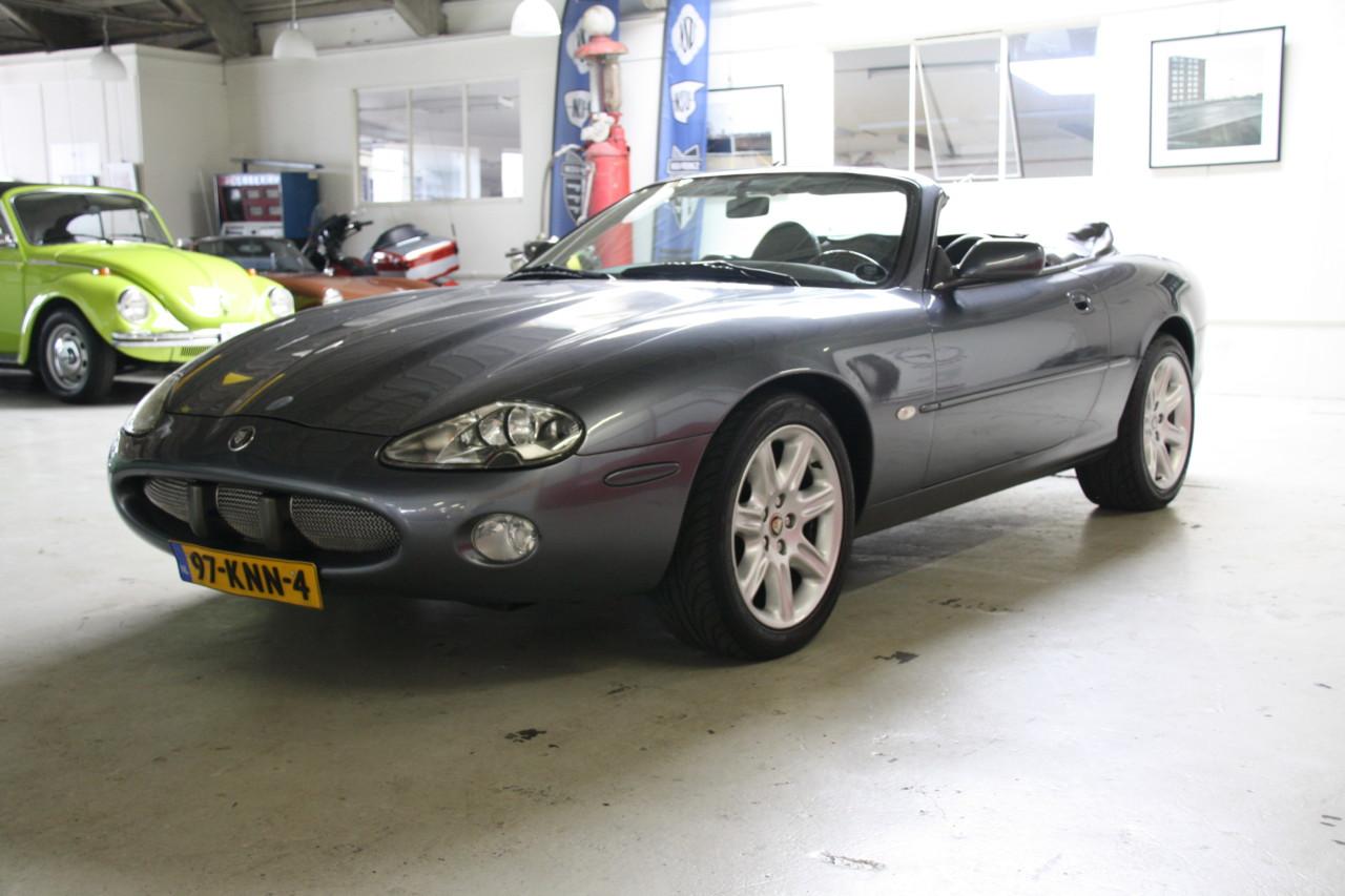 Jaguar XK 8 (21)