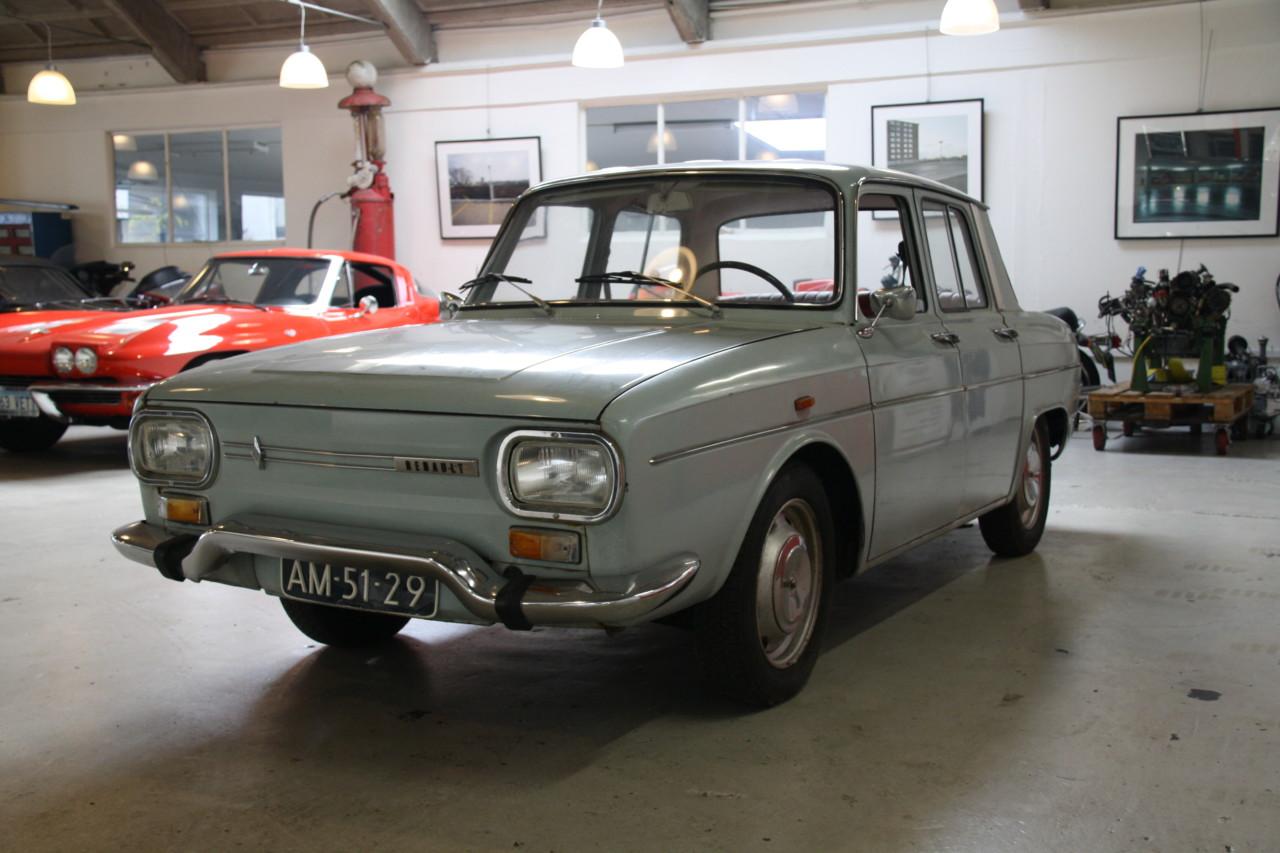 Renault 10 (9)