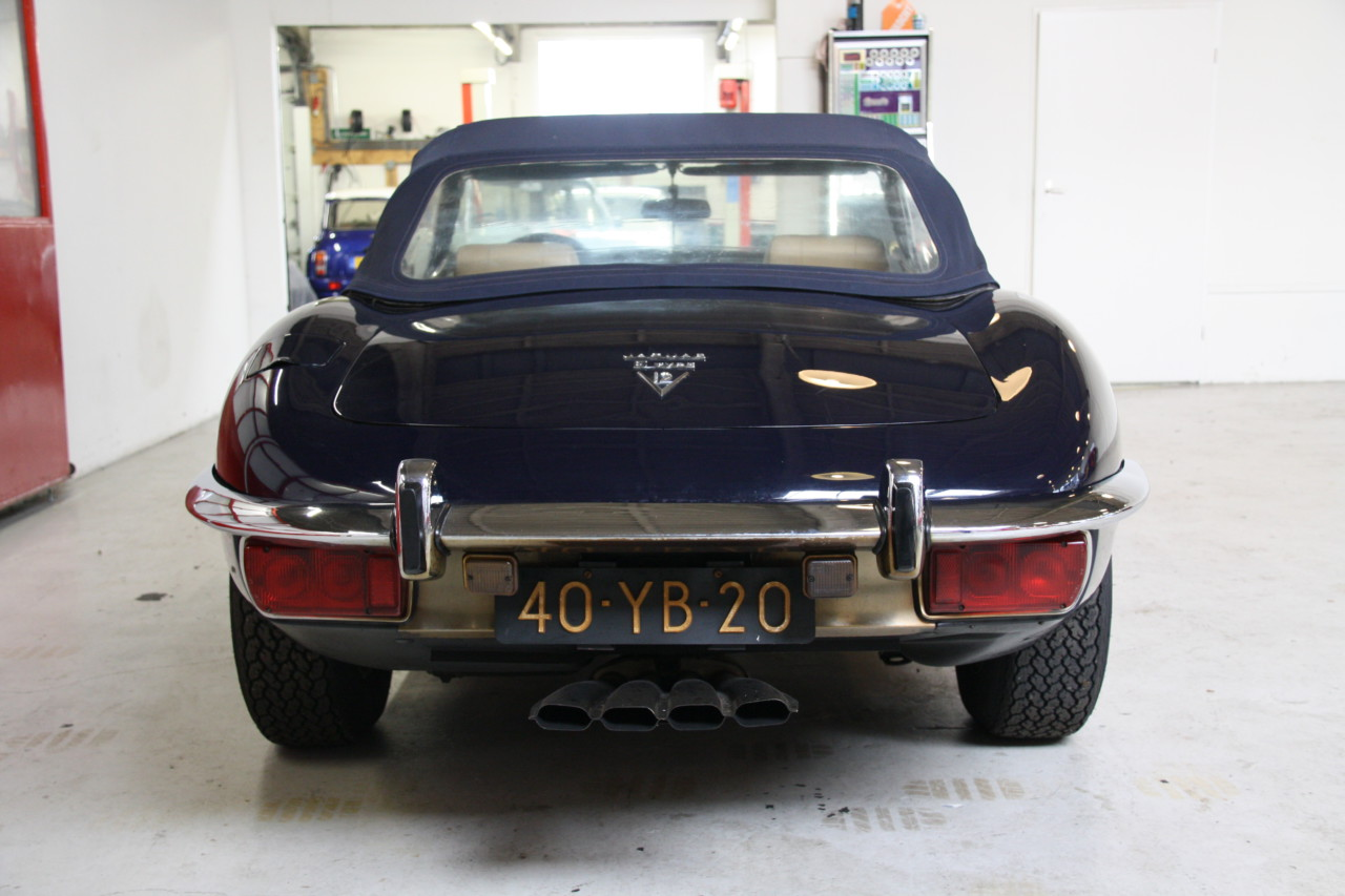 Jaguar E type V12 (17)