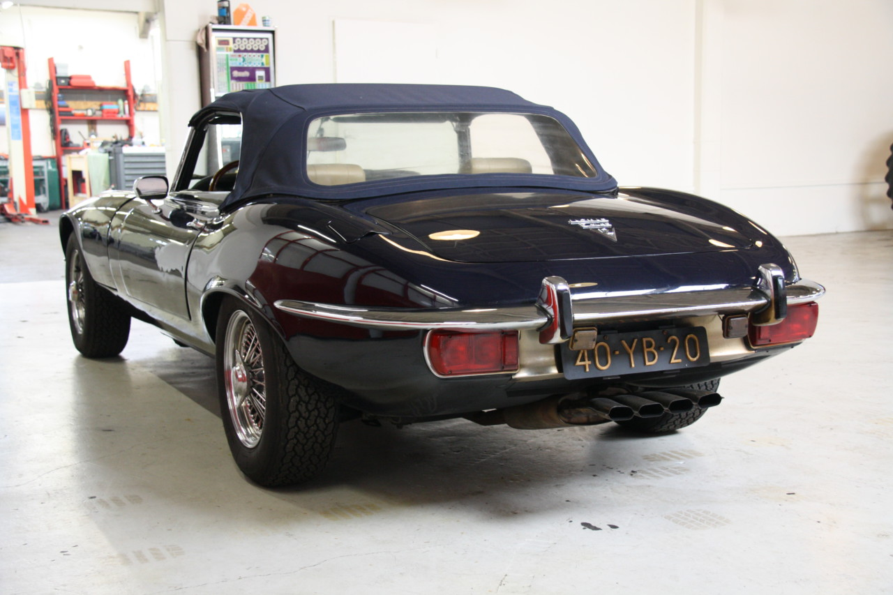 Jaguar E type V12 (20)