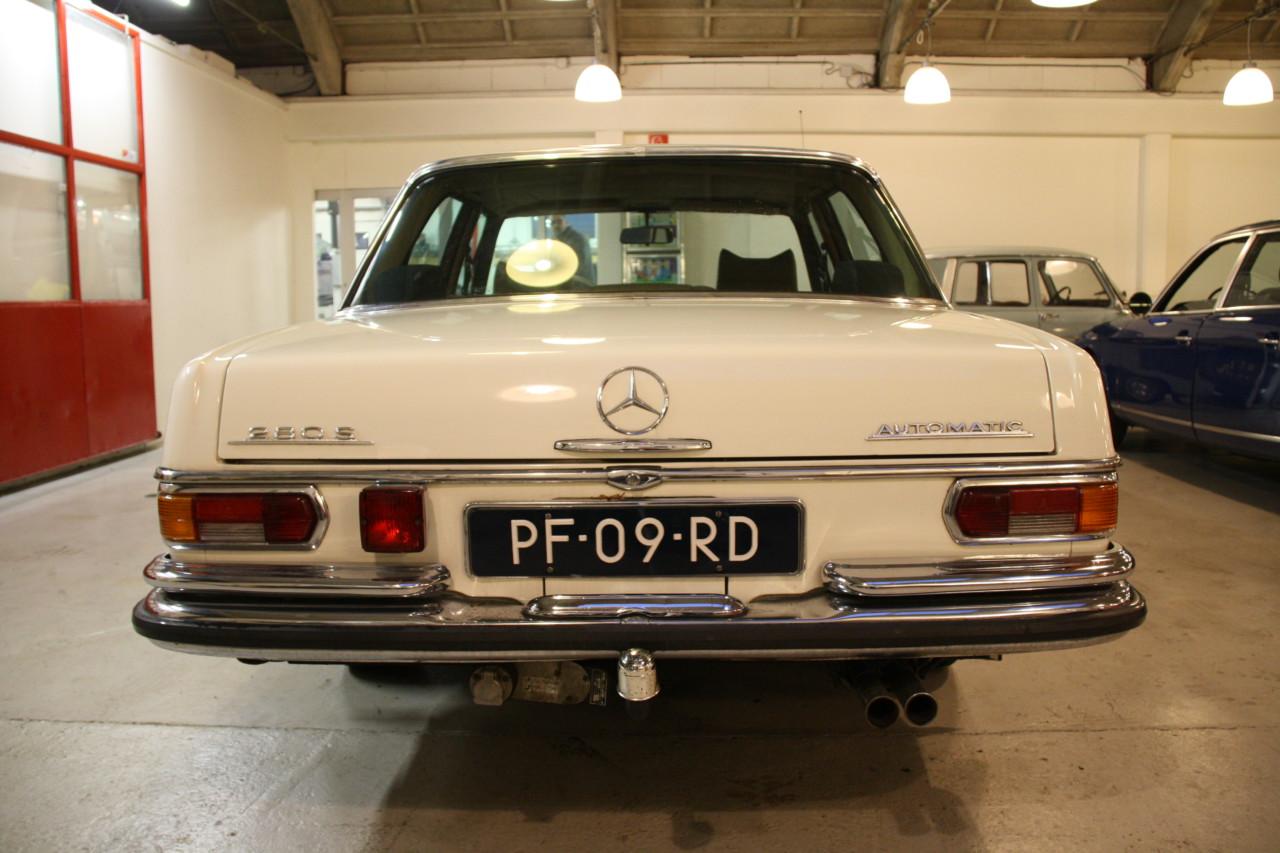 Mercedes 280S (1)