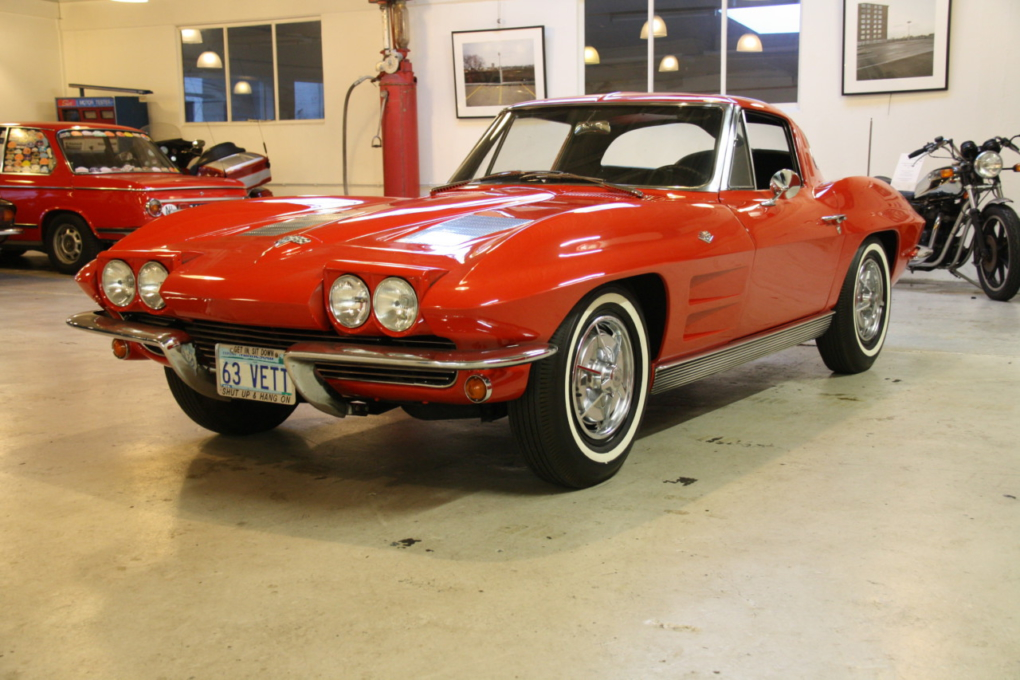 Chevrolet Corvette Sting Ray (25)