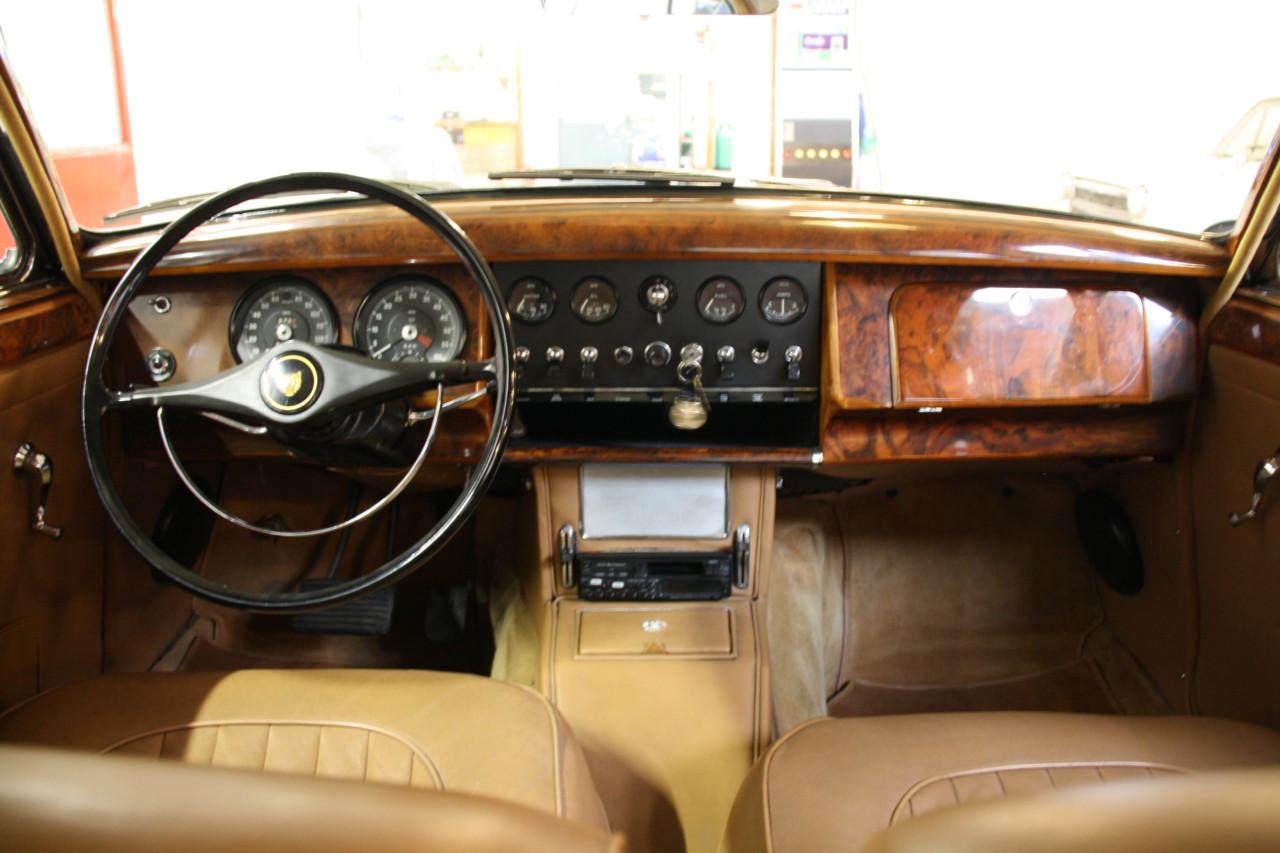 Jaguar MK II (28)