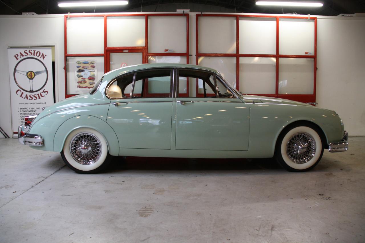 Jaguar MK II (59)