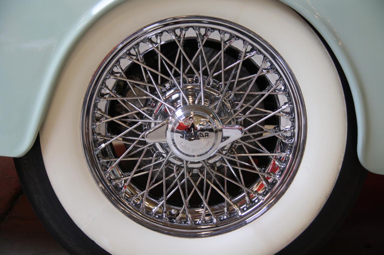Jaguar MK II (73)