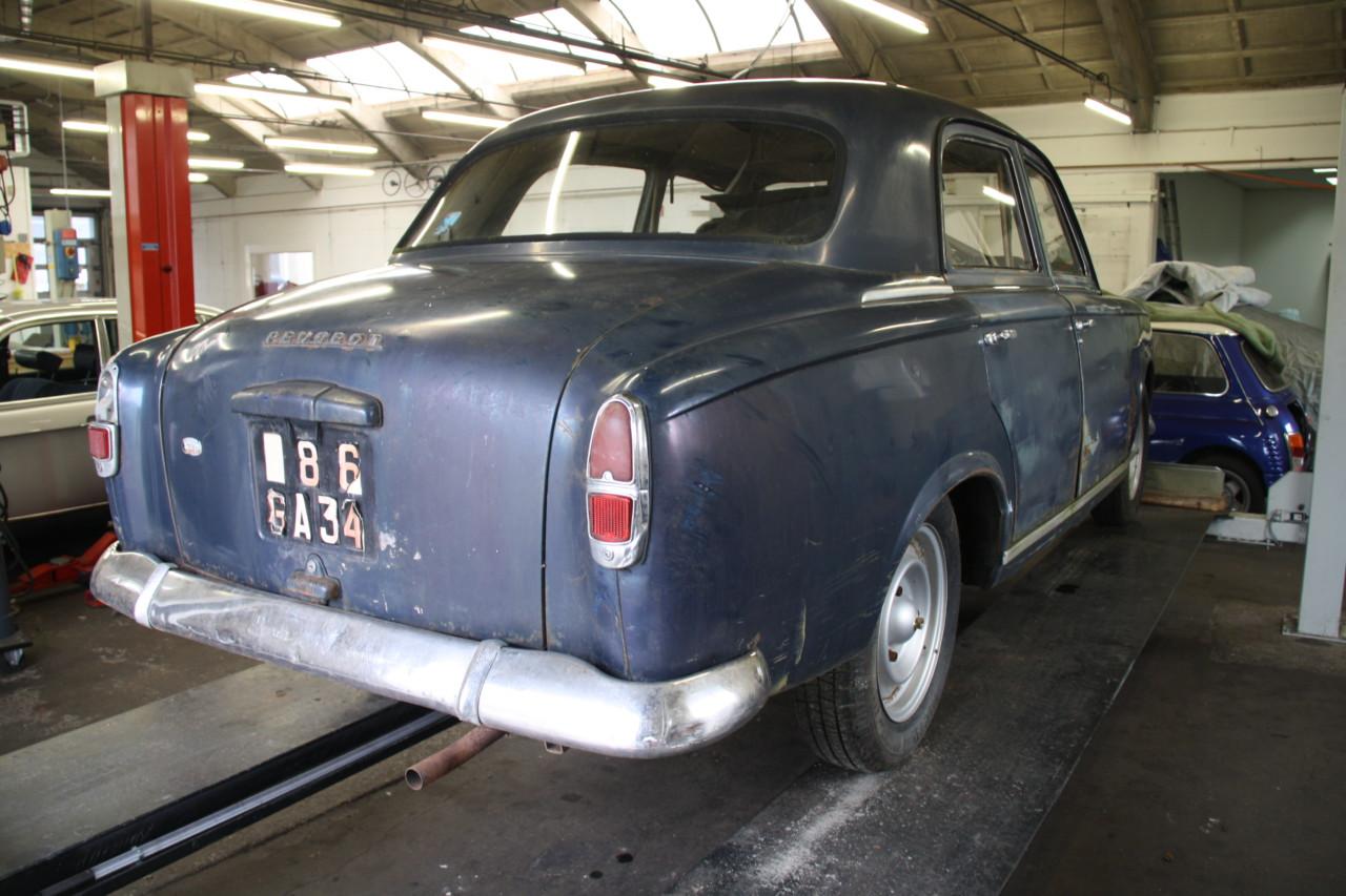 Peugeot 403 (45)