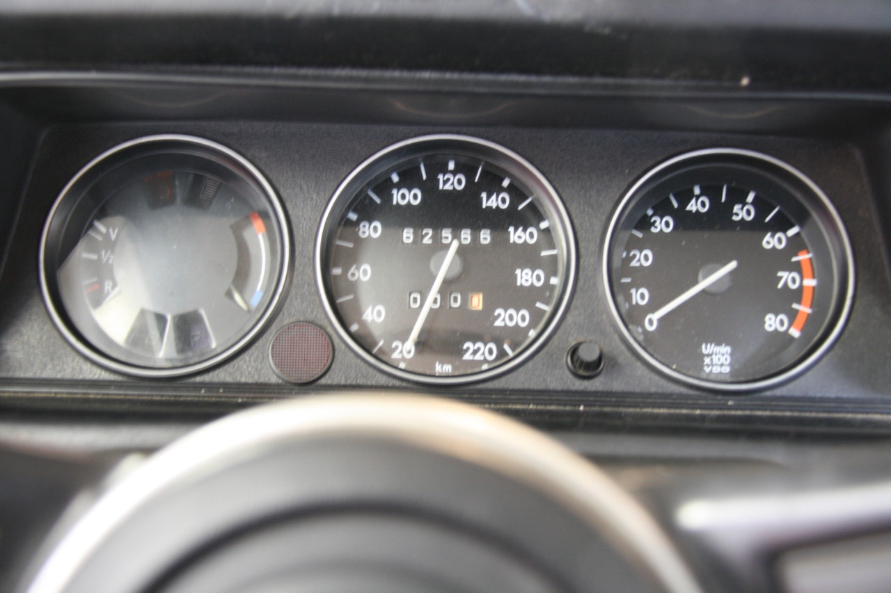 BMW 2002 (25)