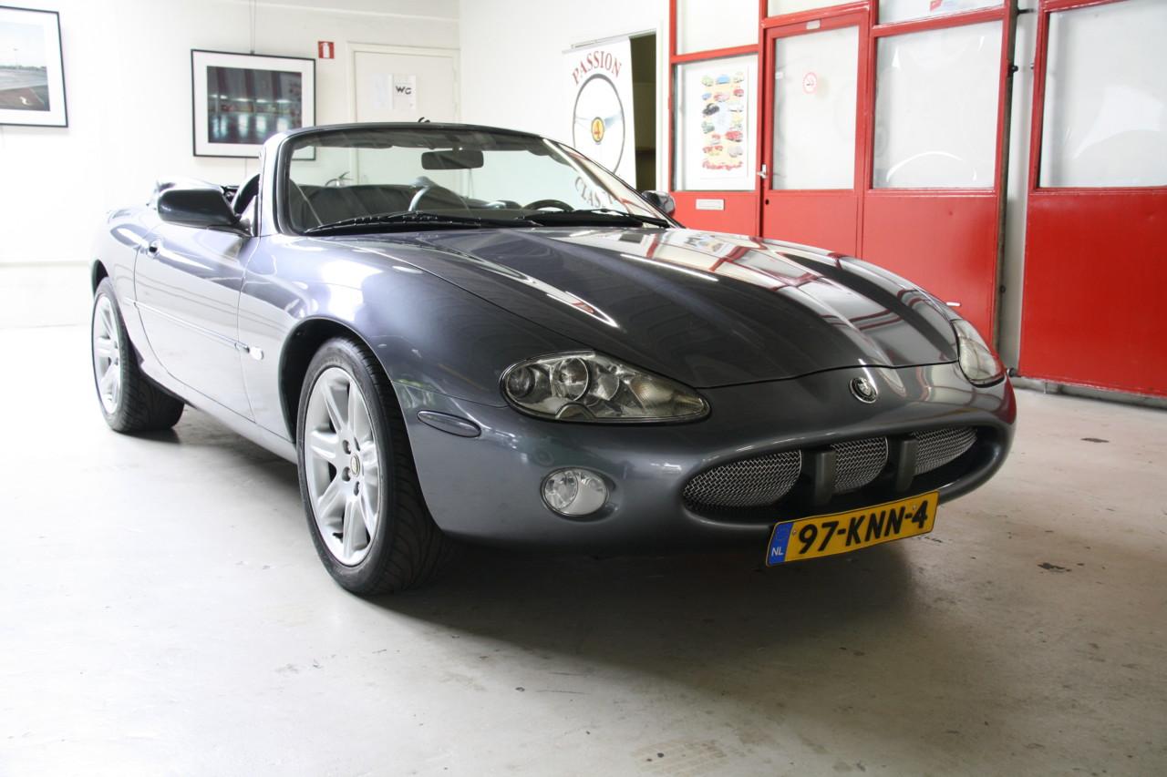 Jaguar XK 8 (1)