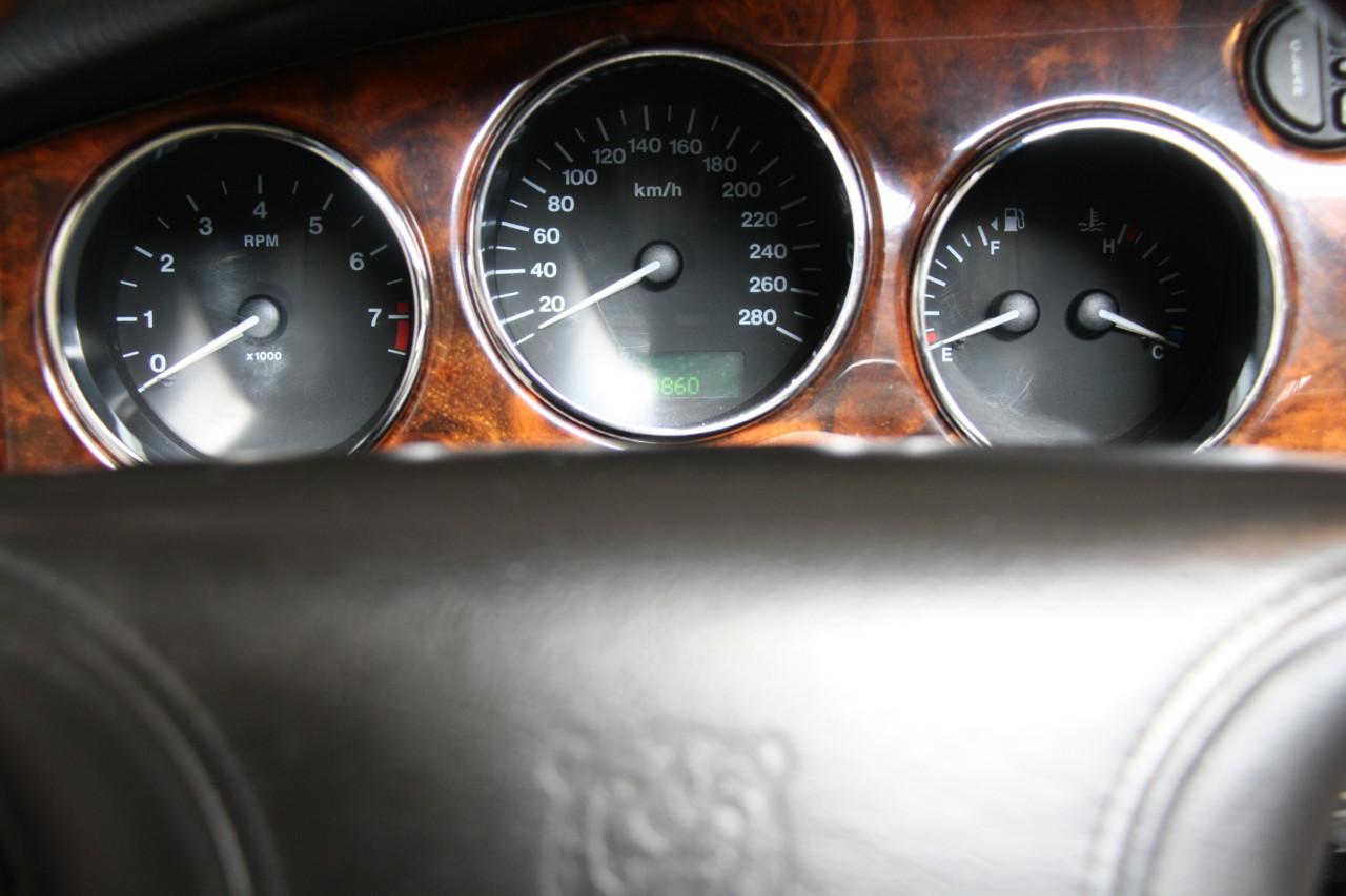 Jaguar XK 8 (10)