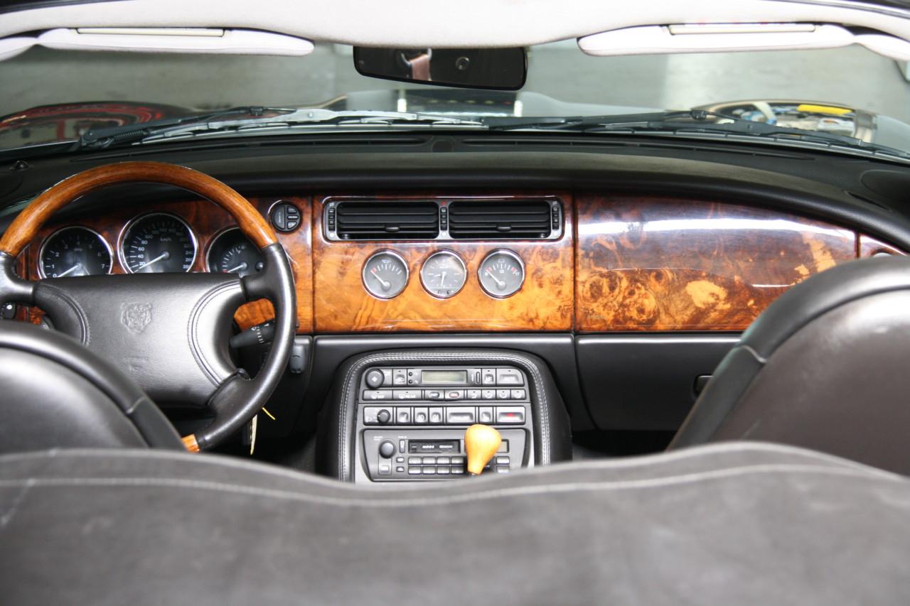 Jaguar XK 8 (3)