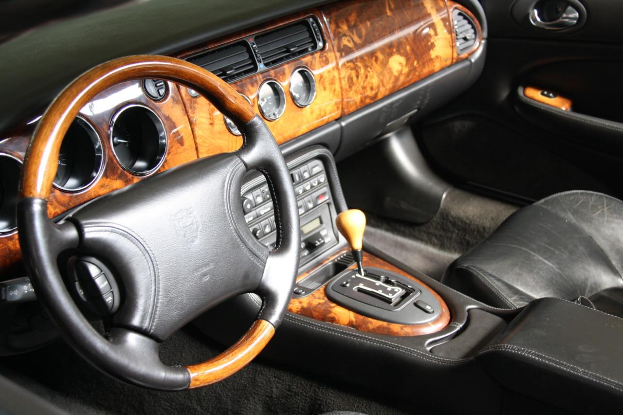 Jaguar XK 8 (5)