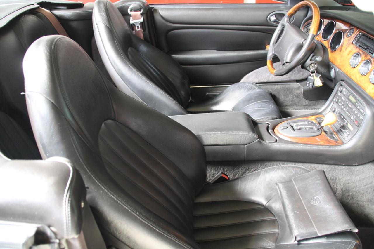 Jaguar XK 8 (6)