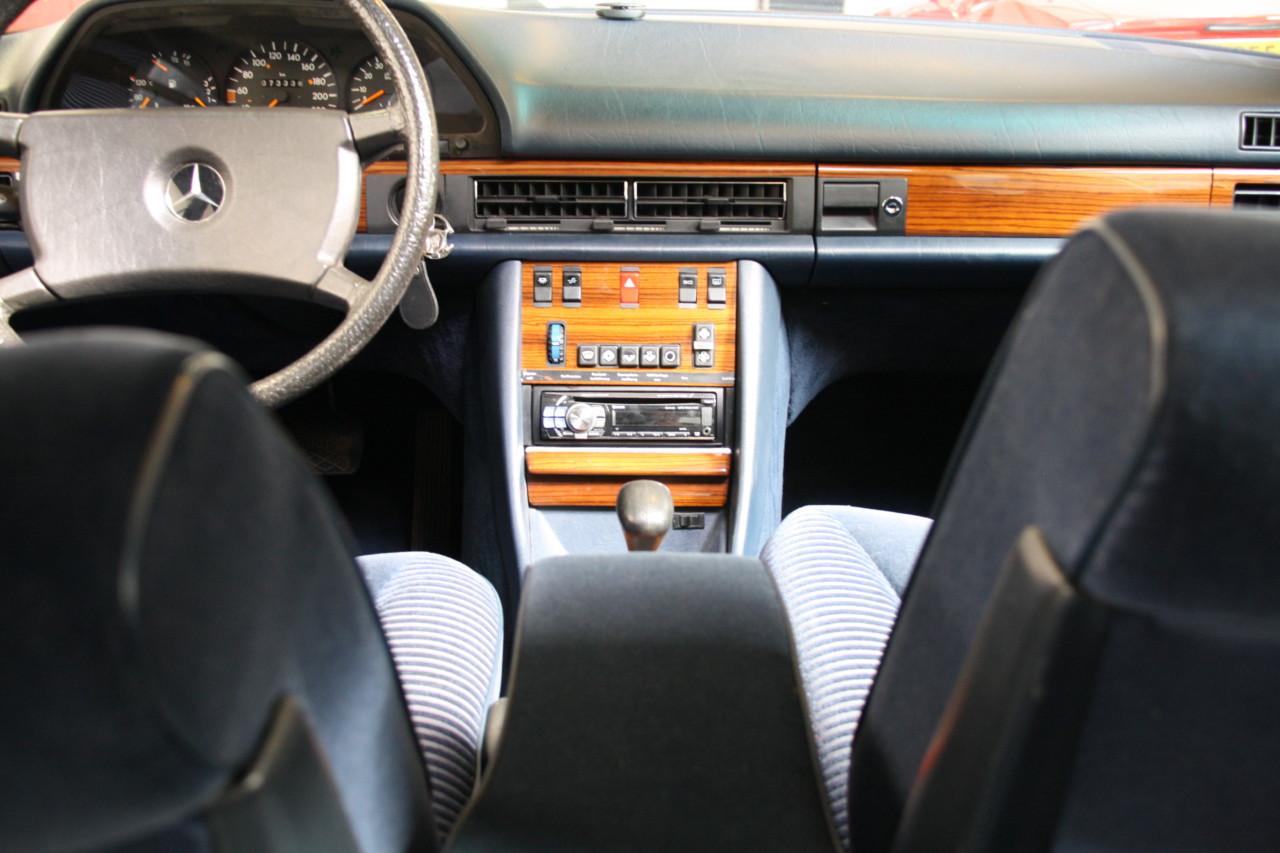 Mercedes 500 SEL (10)