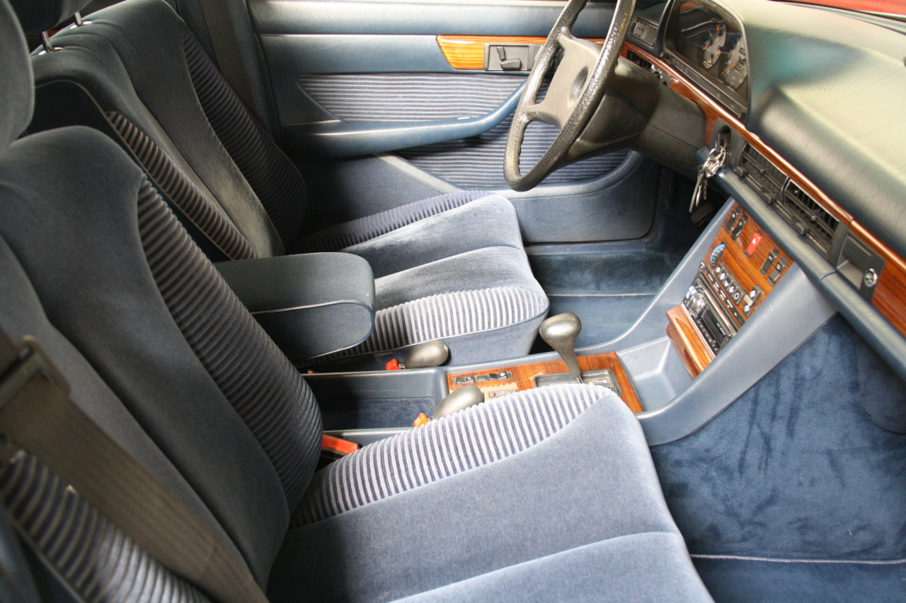 Mercedes 500 SEL (24)