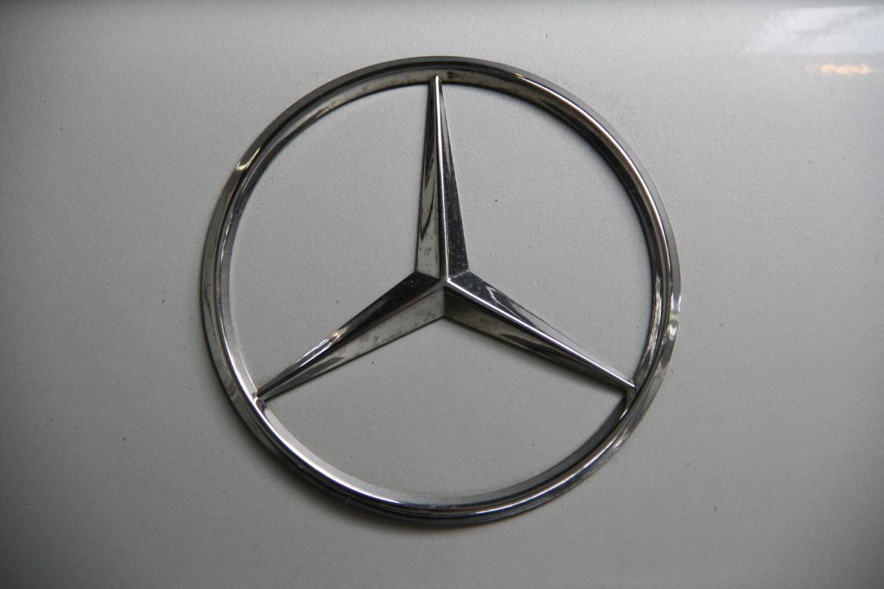 Mercedes 500 SEL (74)