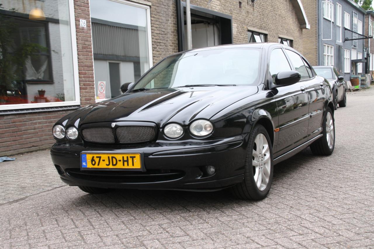 Jaguar X type (12)