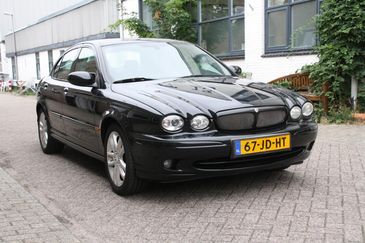 Jaguar X type (15)